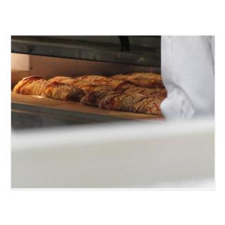 新たにオーブンになされるパン ポストカード