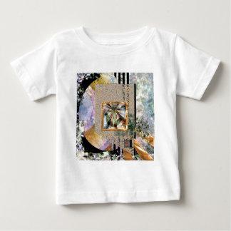 新星のヒスイ(正方形) ベビーTシャツ