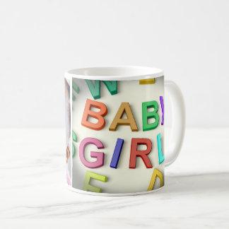 新生児の女の子の写真 コーヒーマグカップ