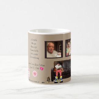 新生児を歓迎するカスタムでクラシックな家族のマグ コーヒーマグカップ