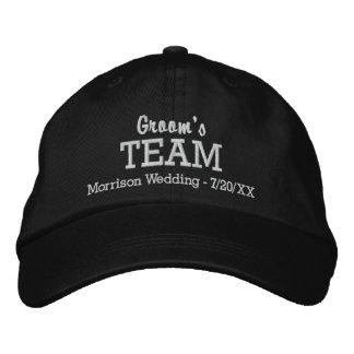 新郎のチームカスタムな結婚式の野球帽の名前の日付 刺繍入りキャップ