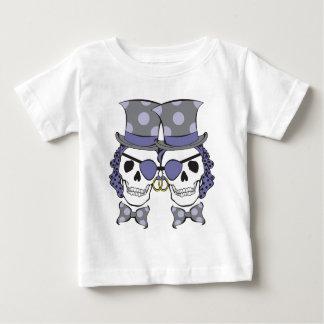 新郎の海賊スカルのラベンダー ベビーTシャツ