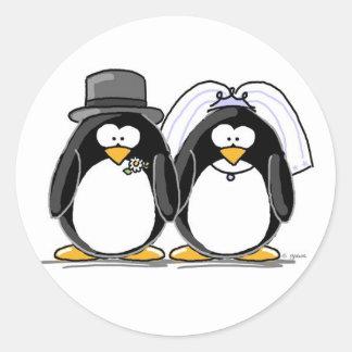 新郎新婦のペンギンのステッカー ラウンドシール