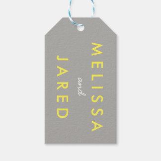 新郎新婦の結婚式の日付のギフトは黄色い灰色に付けます ギフトタグ