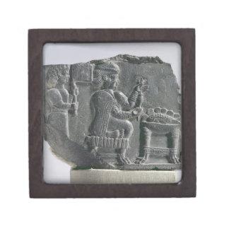 、新Elamite期間回っている、Elamiteの女性c.700- ギフトボックス