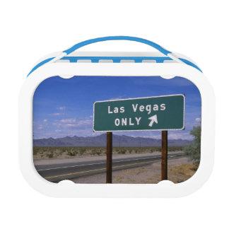 方向、カリフォルニアを示す路傍の印 ランチボックス