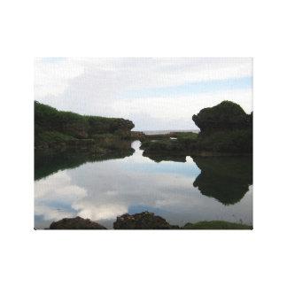 旅行グアム: 自然な海岸線のプール キャンバスプリント