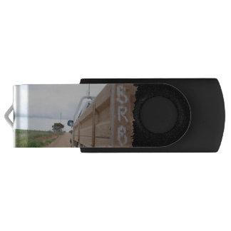 旅行BRB砂利トラック景色の空のユート語 USBフラッシュドライブ