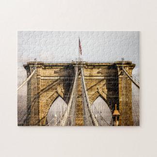 旗が付いている画像的なブルックリン橋 ジグソーパズル