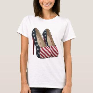 旗のハイヒールはTシャツに蹄鉄を打ちます Tシャツ