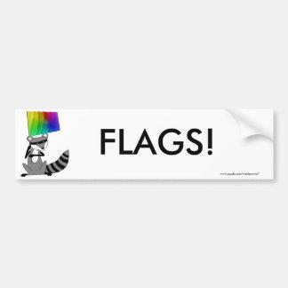 旗を持つアライグマ バンパーステッカー
