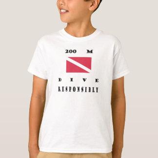 旗200メートルの飛び込みの Tシャツ