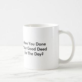 日のためのあなたのよい行為をしましたか。 ベーシックホワイトマグカップ