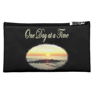 日の一度に日の出の写真 コスメティックバッグ