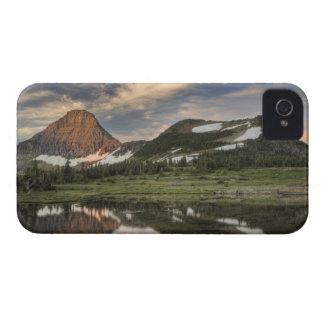 日の出および反射のグレーシャー国立公園、 Case-Mate iPhone 4 ケース