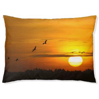日の出のクレーン ペットベッド