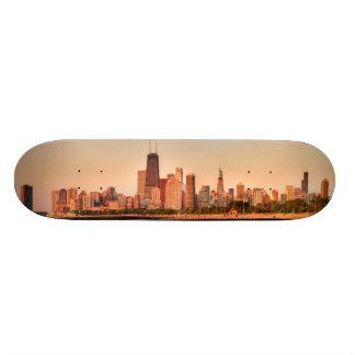 日の出のシカゴのスカイラインのパノラマ 20CM スケートボードデッキ