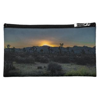 日の出のジョシュアツリーの国立公園 コスメティックバッグ