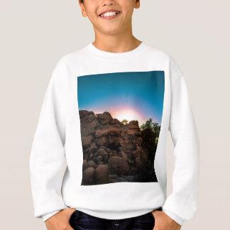 日の出のジョシュアツリーの国立公園 スウェットシャツ