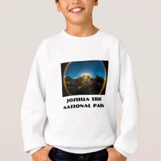 日の出のジョシュアTreeNational公園 スウェットシャツ