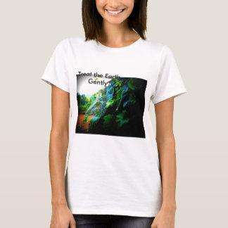 日の出のデマ Tシャツ