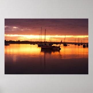 日の出のボート ポスター