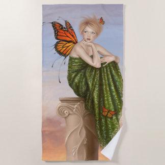 日の出のマダラチョウの妖精 ビーチタオル
