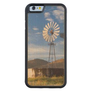 日の出の乾燥高原の風車そしてダム CarvedメープルiPhone 6バンパーケース