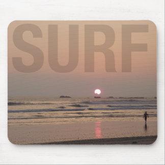 日の出の写真コンピュータマウスパッドのビーチのサーファー マウスパッド