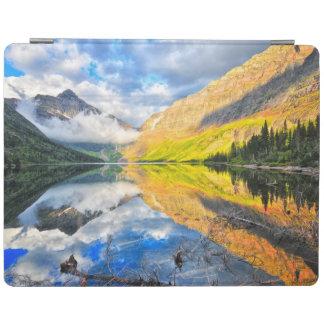 日の出の甲革2のmedicine湖 iPadスマートカバー