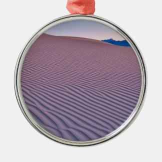 日の出の砂漠の砂 メタルオーナメント