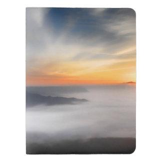 日の出の間に日本の山にぼやかして下さい エクストララージMoleskineノートブック