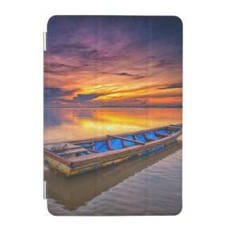 日の出| Jubakarのビーチの漁船 iPad Miniカバー