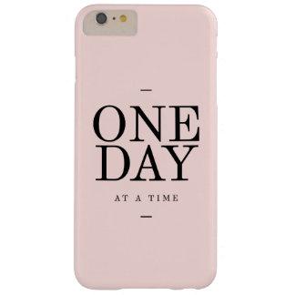 日の忍耐の引用文の赤面のピンクのギフト BARELY THERE iPhone 6 PLUS ケース
