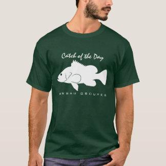 日の捕獲物-ナッサウのハタのTシャツ Tシャツ