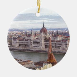 日までにハンガリーの議会ブダペスト セラミックオーナメント