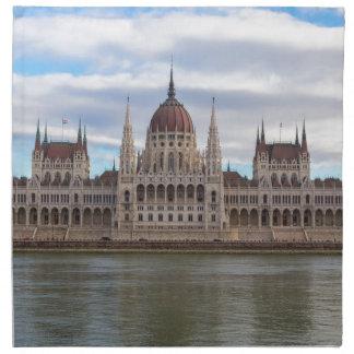 日までにハンガリーの議会ブダペスト ナプキンクロス
