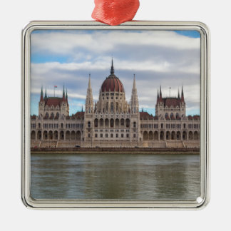 日までにハンガリーの議会ブダペスト メタルオーナメント