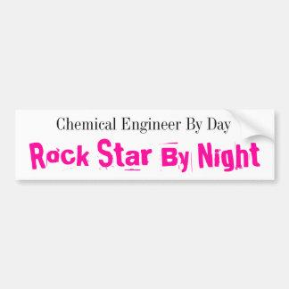日までに化学エンジニア、夜までにロックスター バンパーステッカー