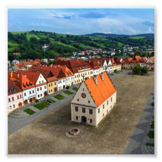 日までにBardejov、スロバキアの古い町の広場 フォトプリント