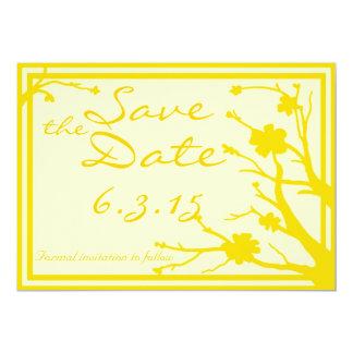 日付のカスタムで黄色い花の結婚式の招待を救って下さい カード