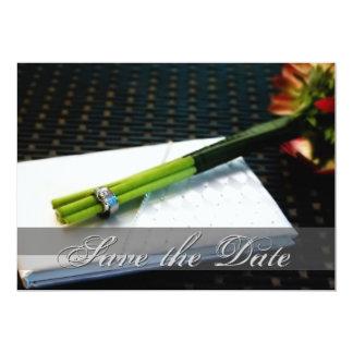 日付のノスタルジックな花の招待を救って下さい 12.7 X 17.8 インビテーションカード