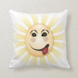 日光のおもしろいでおっちょこちょいのな漫画の顔投球の枕 クッション