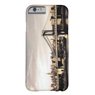 日光のニューヨークシティのスカイライン BARELY THERE iPhone 6 ケース