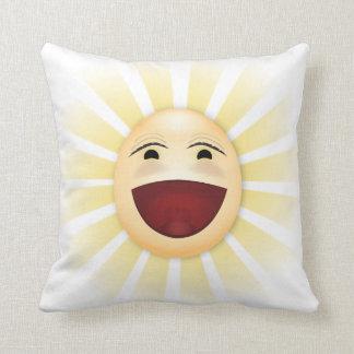 日光の幸せでおっちょこちょいのな漫画の顔投球の枕 クッション