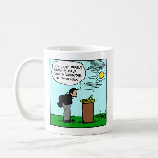 日時計のマグ(Rubeゴールドバーグの芸術)を読んでいる人 コーヒーマグカップ
