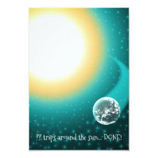 日曜日のまわりのカスタムな誕生日軌道 カード