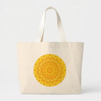 日曜日の曼荼羅の万華鏡のように千変万化するパターンを追跡する陽気な黄色 ラージトートバッグ