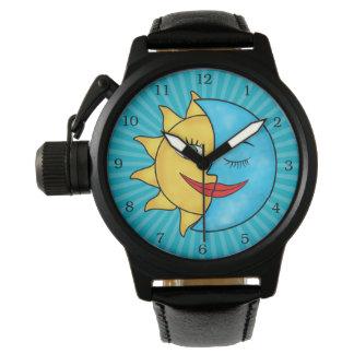 日曜日の月の太陽のな光線の天のテーマ 腕時計