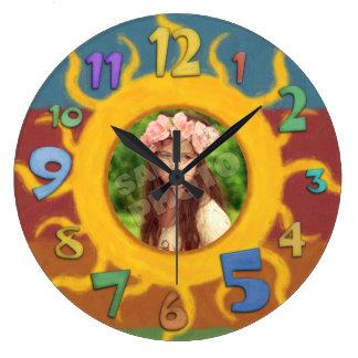 日曜日の色彩の鮮やかな写真テンプレート ラージ壁時計